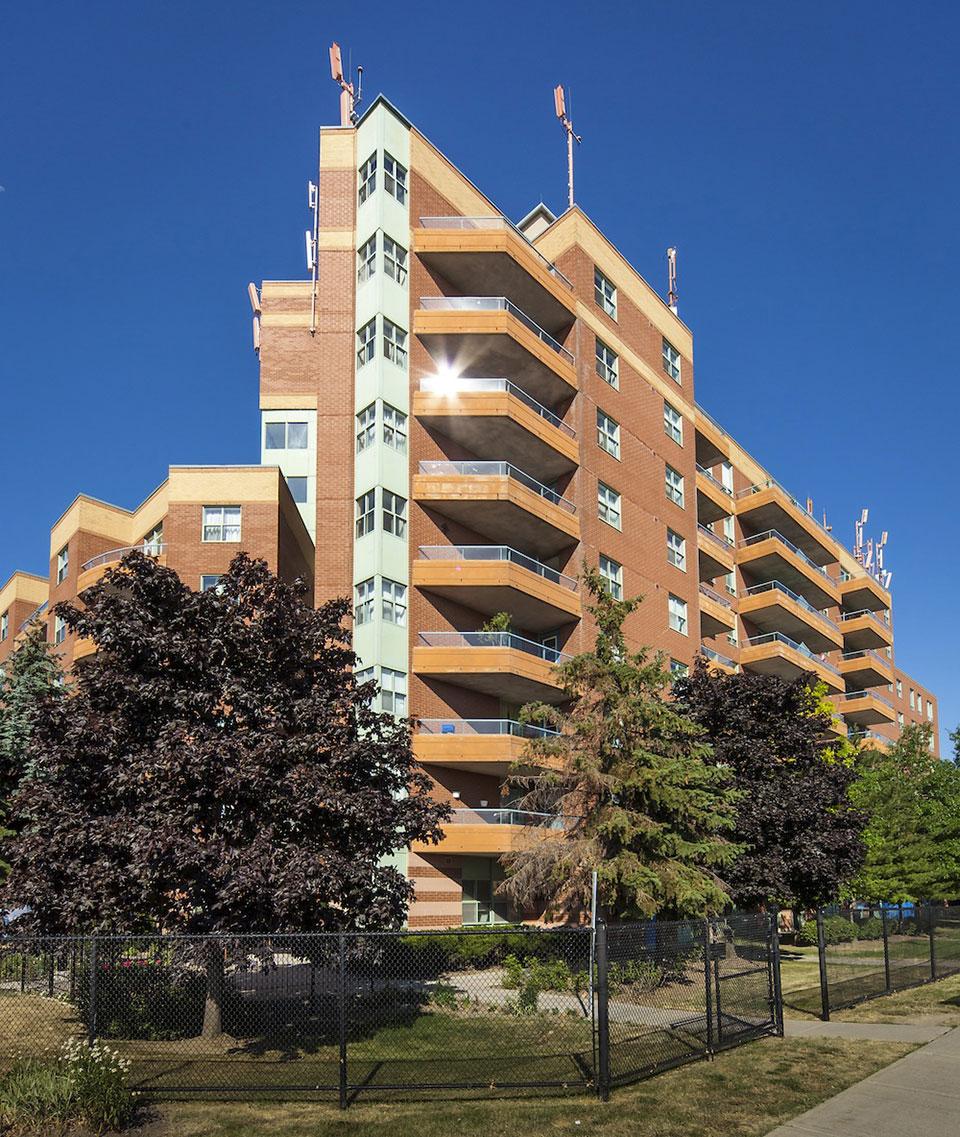 Norstar Apartments: Windsor Hill ApartmentsNorstar Companies